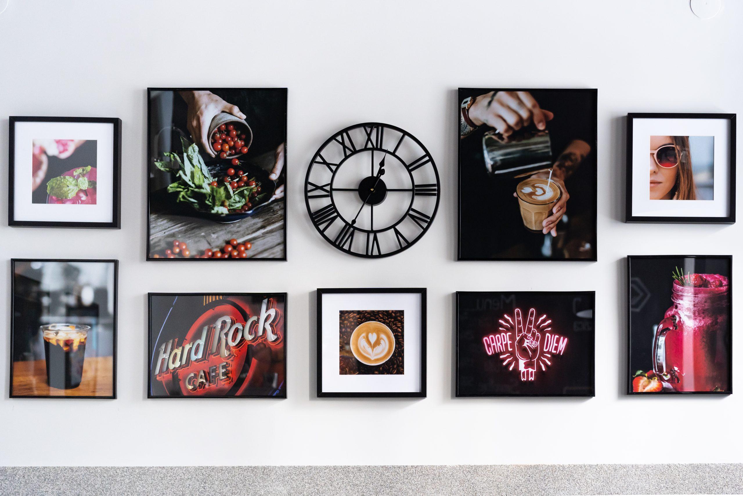 elementy dekoracyjne na ścinanie, zdjęcia w czarnych ramkach, czarny zegar